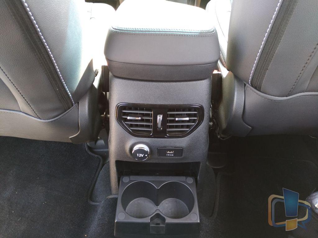 tata-hexa-back-seat-ac