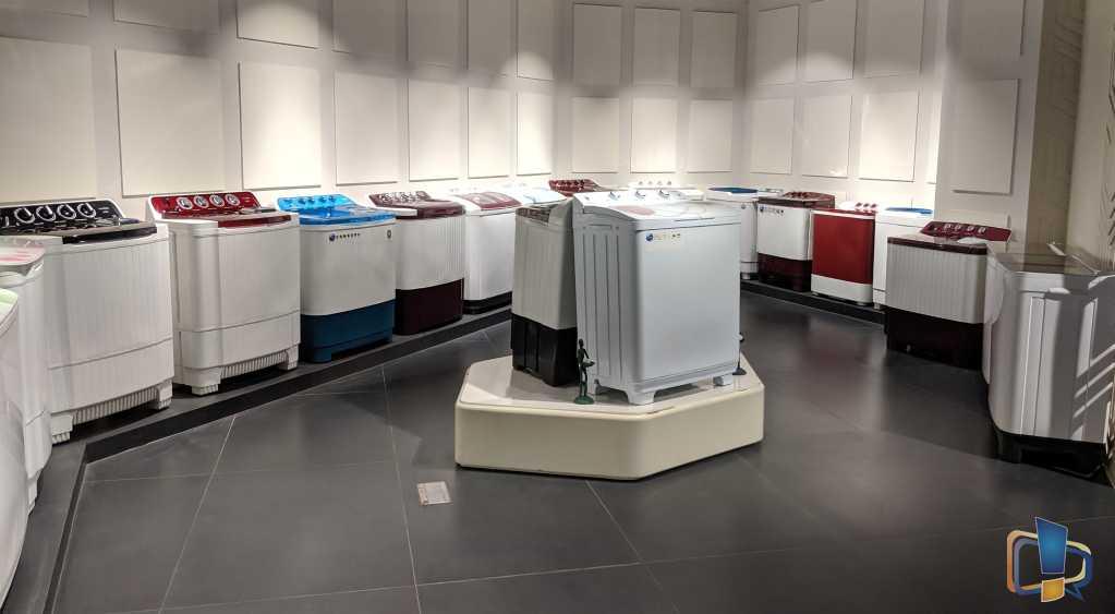 Lloyd Semi Automatic Washing Machine